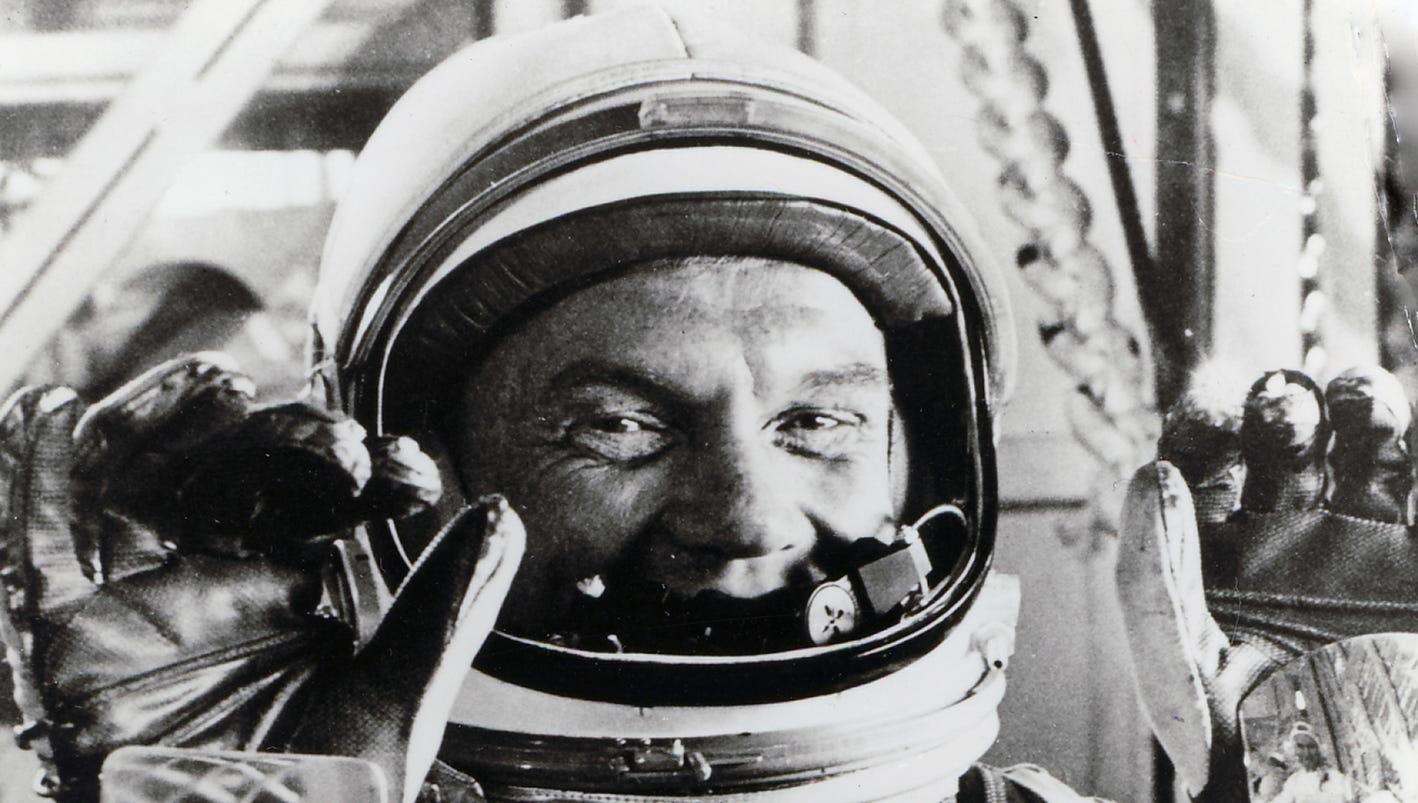 John Glenn, astronaut and senator, dead at age 95