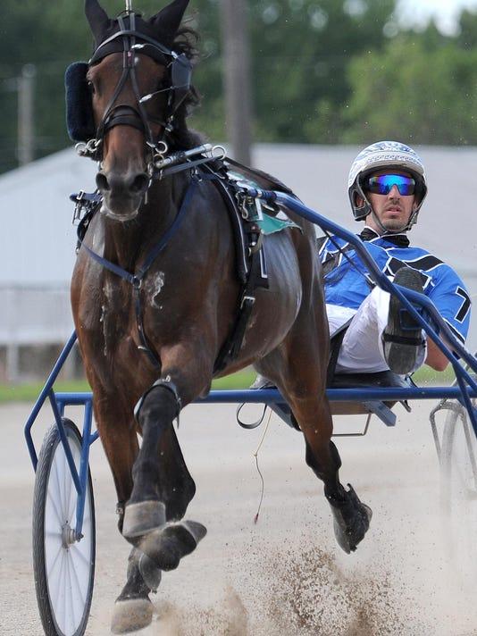 BUC 0723 Harness Racing_2