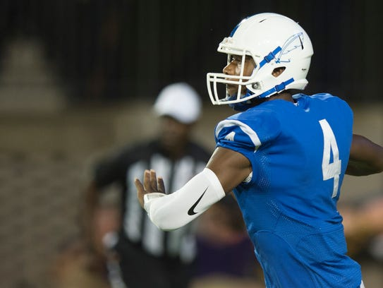 Sidney Lanier's James Foster looks to throw during