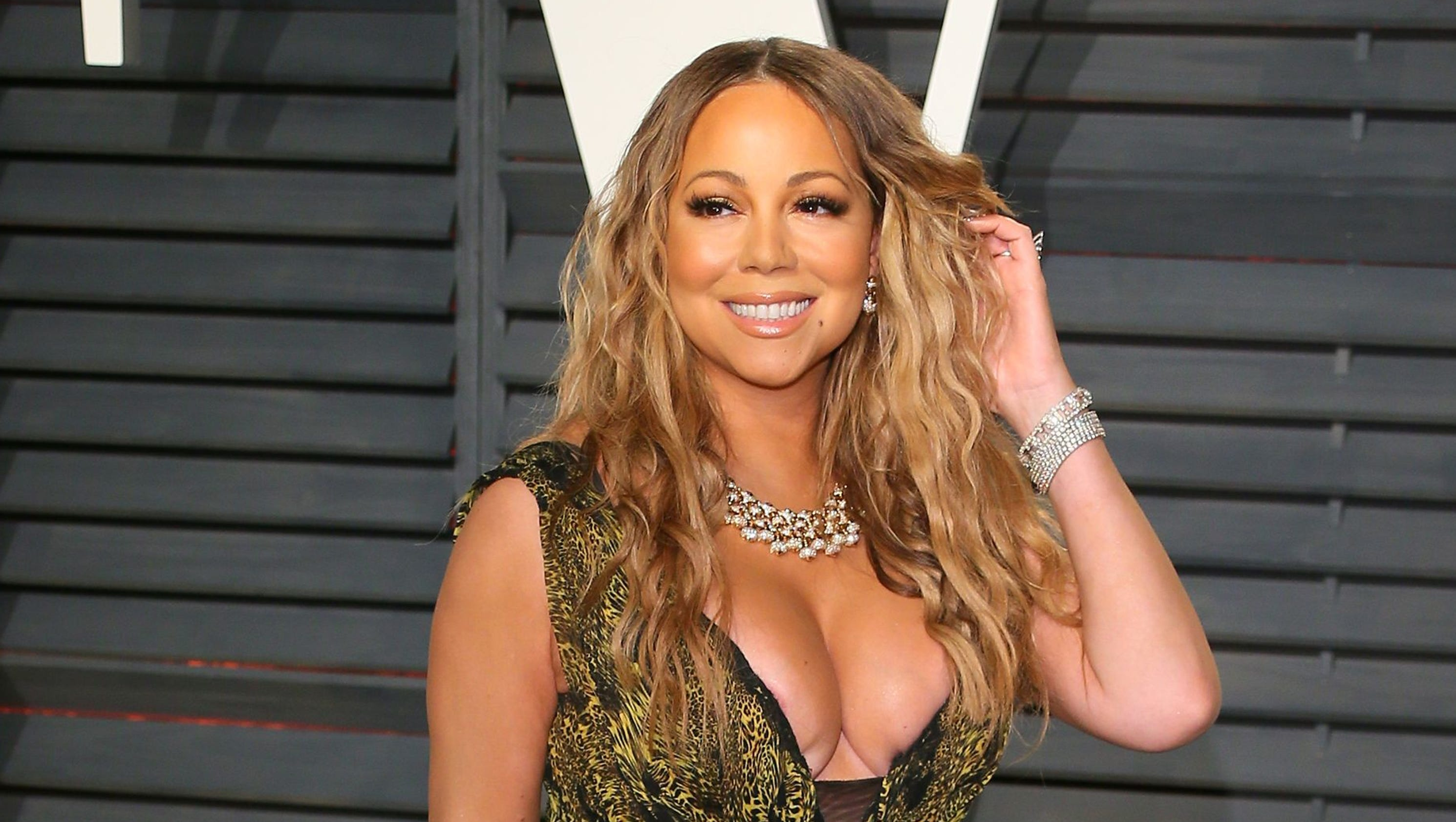 the life and career of mariah carey Mariah carey's 2002 appearance on mtv cribs is now considered a classicdressed in a tank top and sweats, mariah took viewers on a tour of her new york city penthouse where she showed off her .