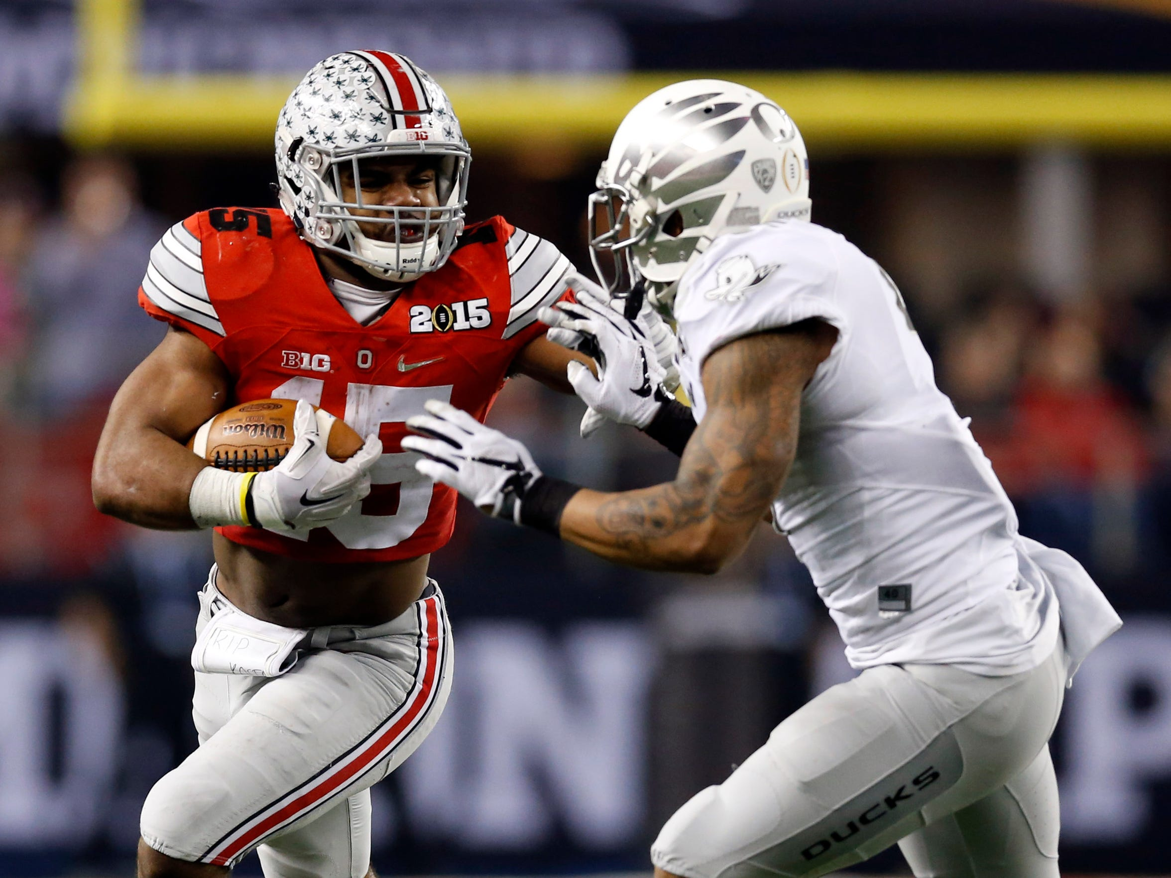 Ohio State running back Ezekiel Elliott (15)