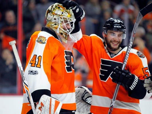 purchase cheap 874f3 8de48 Stolarz stops 26 shots in relief, Flyers beat Devils 3-0