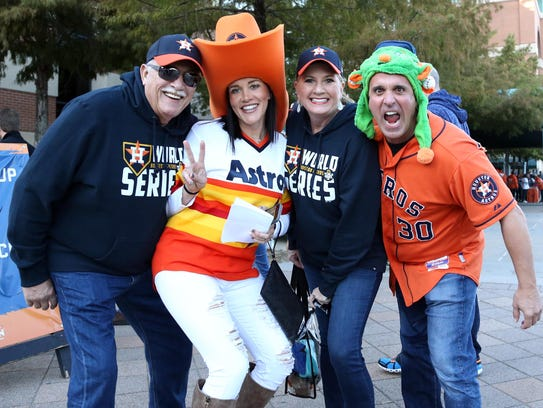 Game 4 at Minute Maid Park: Astros fans arrive before
