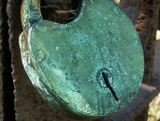 bs-lock-3200014.jpg