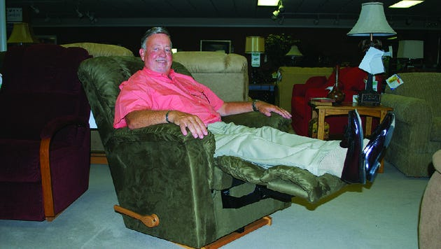 Herring Furniture Company is closing its doors and holding a liquidation sale beginning Thursday.