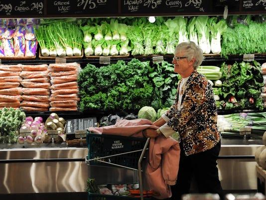635757632115536003-grocery-shopper