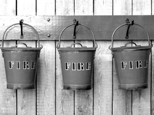 635682226983579341-fire-buckets
