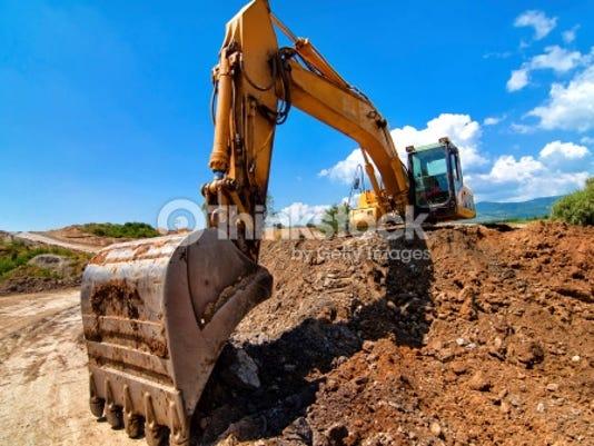 635792118251420721-construction