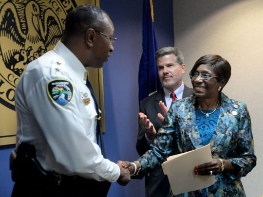New Shreveport Police Chief Alan Crump shakes hand