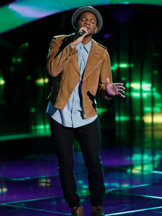 Knoxville singer Chris Blue