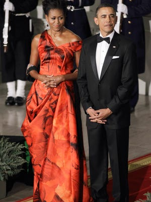 President Obama and first lady Michelle Obama at the North Portico of the White House to greet China's President Hu Jintao  for State Dinner.