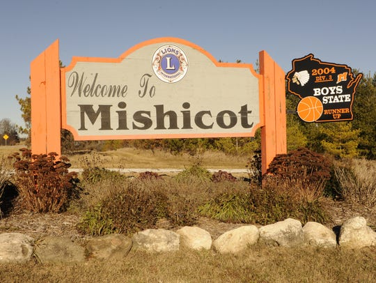 Mishicot welcome sign.
