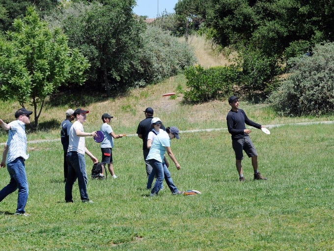 Learning to disc golf at the Take It Outside California