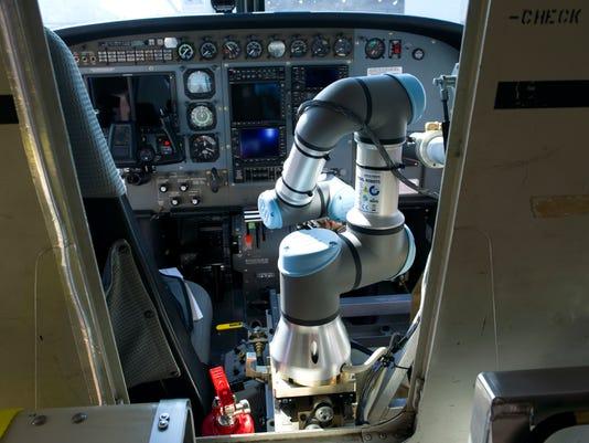 636123884290703110-Robot-Pilot-Vill-5-.jpg