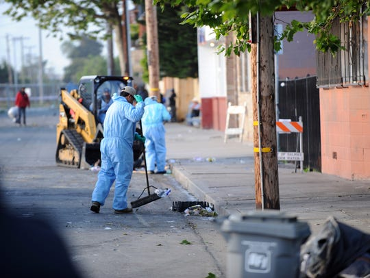 City contractors sweep Soledad Street after homeless