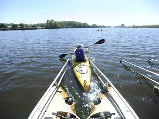 Bergen County kayaking offers a sightseeing workout