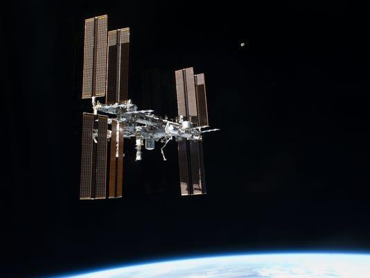 636362326138093949-ISS.jpg