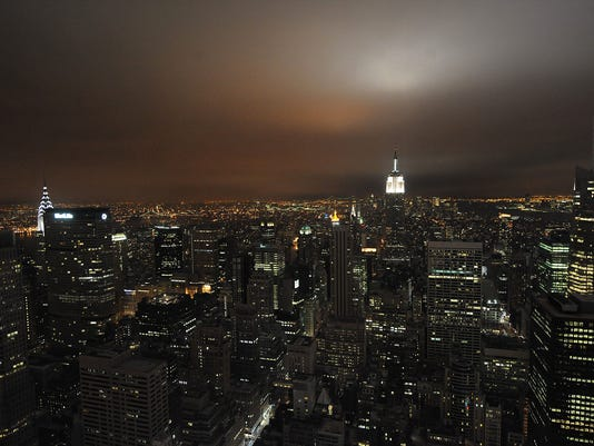 Earth Hour 2009 Darkens The Skyline