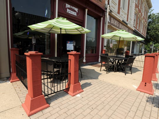 Restaurants like Fire & Stone Pizzeria allow patrons to consume alcohol while dining outdoors with fencing around their patio areas. But a misunderstanding in the law led some restaurants to serve alcohol without having a DORA perimeter defined. Now, the Chillicothe City Council will vote to alter the current resolution.