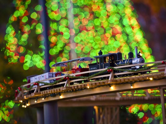 13 holiday model train displays to visit this season