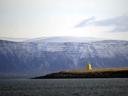 ICELAND-LANDSCAPE-SHIPS