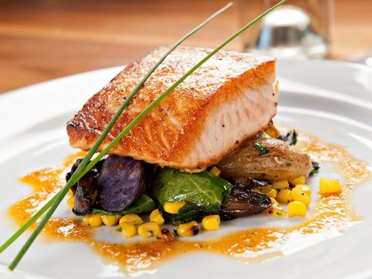 Tavern Salmon: The salmon ar Tavern Americana