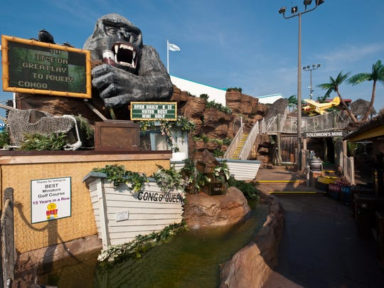 Congo Falls is a fun place to play mini golf outdoors in Ocean City.