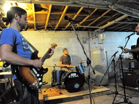 BMN 071218 Primitive Studio Band