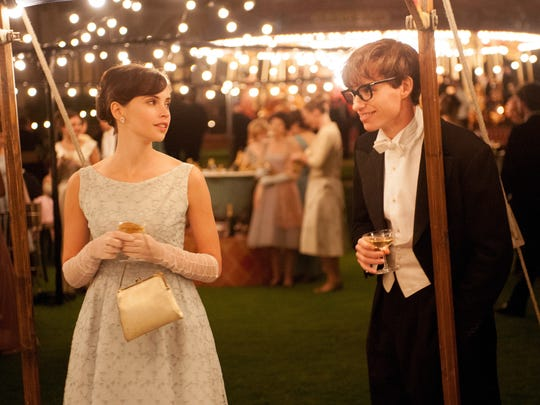 Jane (Felicity Jones) and Stephen Hawking (Eddie Redmayne)