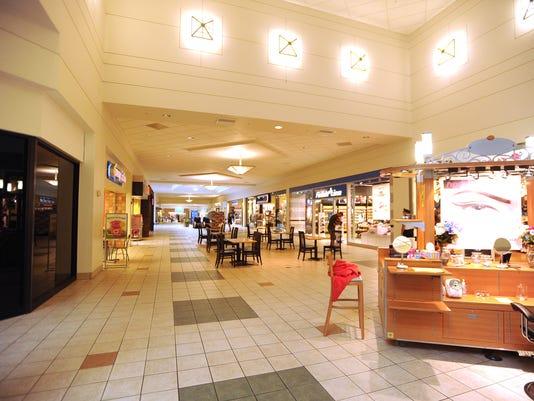 635534016144028293-forest-mall-september-2014