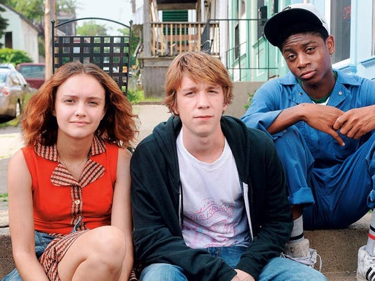 "Olivia Cooke, Thomas Mann and RJ Cyler star in ""Me and Earl and the Dying Girl,"" about Pittsburgh teenagers who form a friendship."