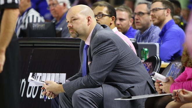 Tom Hodges has resigned from the MTSU women's basketball team after serving as an assistant for nine of coach Rick Insell's 13 seasons with the Blue Raiders.