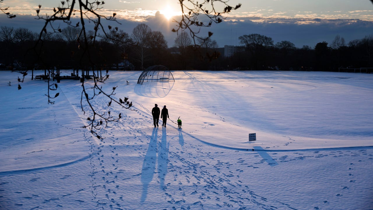 Thawing ice spells trouble after U.S. deep freeze