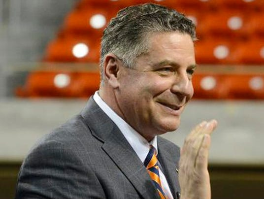 Bruce Pearl press conference.jpg