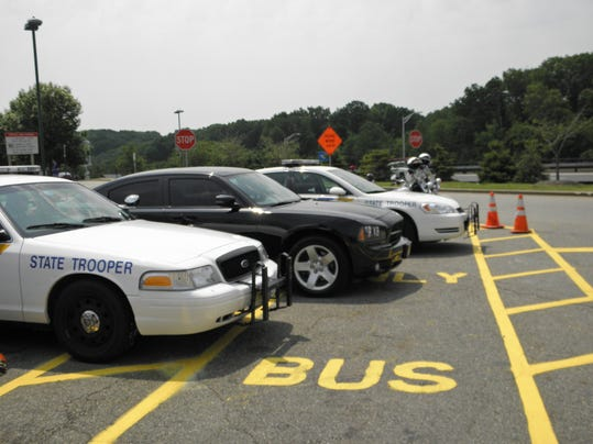 -state police vehicles2 .JPG_20110608.jpg