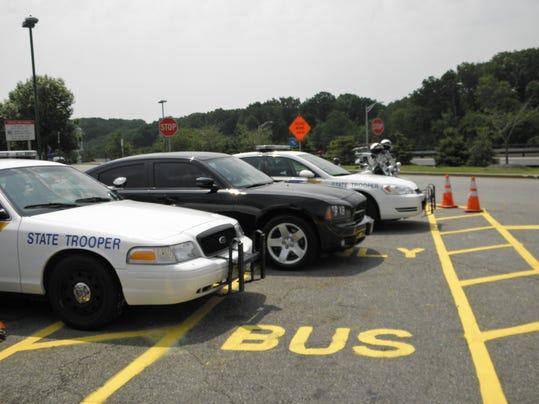 -state police vehicles2 .JPG_20110608.jpg