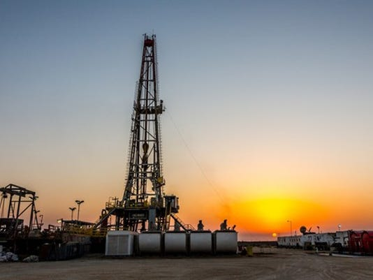 drilling-rig-oil-natural-gas-fracking-1500_large.jpg