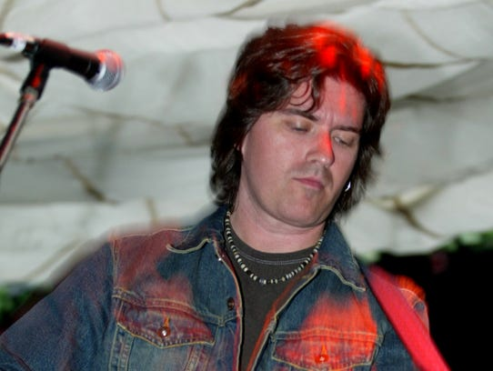 Singer/songwriter Danny White, pictured in 2004, will