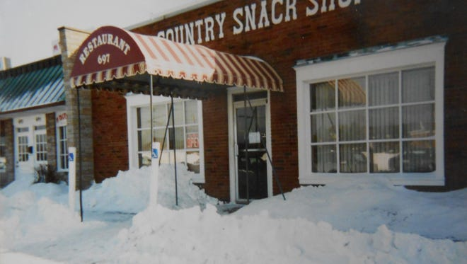 This circa 1980 photo shows the Parkway Family Restaurant, when it was known as the Country Snack Shop.