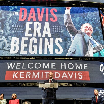 Inside Kermit Davis' 24-hour transition from Middle Tennessee State to Ole Miss