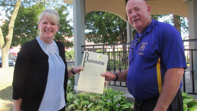 Canton Area Chamber of Commerce Executive Director Carla Bobell is pictured with Mayor Kent McDowell who read a Proclamation for the Chamber of Commerce Week 2020.