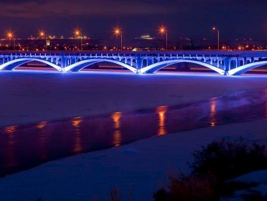 -Blue Bridge.jpg_20091231.jpg