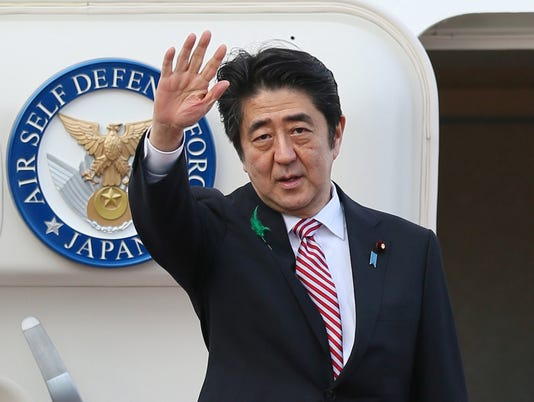 Japan PM Abe visits USA amid controversial WWII remarks