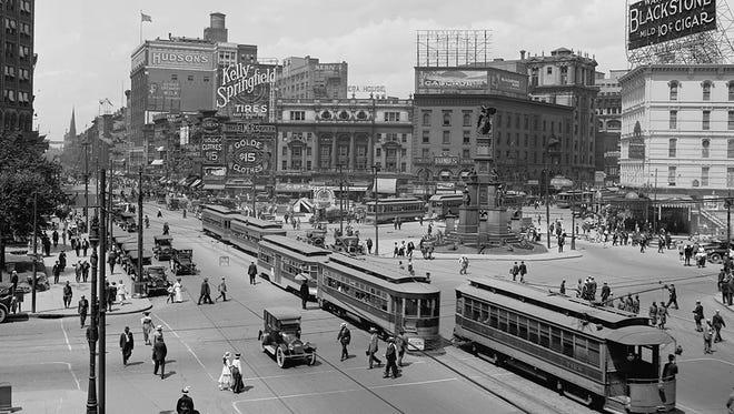 Looking up Woodward Avenue, circa 1915.