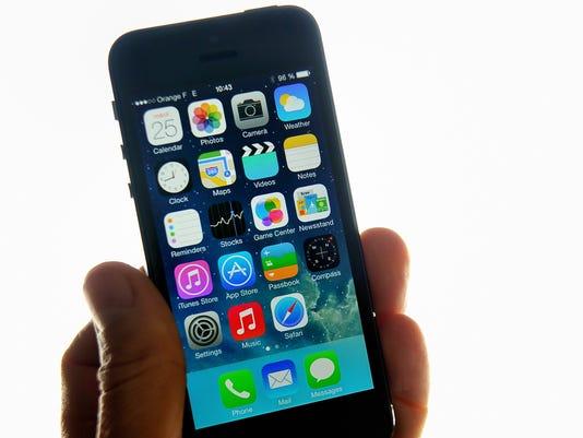 Millennials LOVE their smartphones: Deal with it