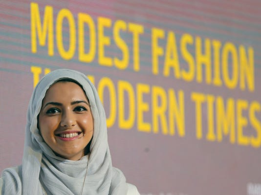 Mideast Fashion Hijabi Hipsters