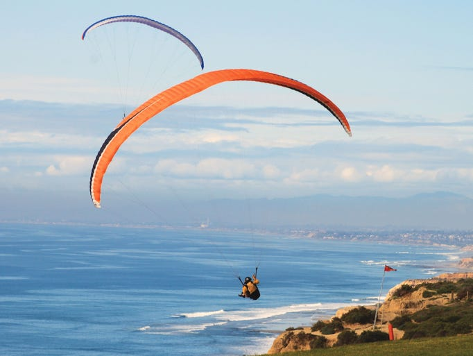 La croisiere pourquoi, comment!... - Page 5 636270067398727938-1386256845001-Hang-Gliders-over-Torrey-Pines--Courtesy-SanDiegoorg