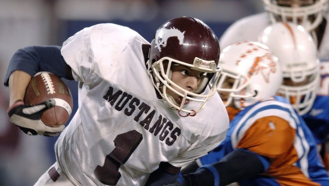 Lamar Rodriguez returning one of his three interceptions in 2006 North 1, Group 4 final for Clifton.