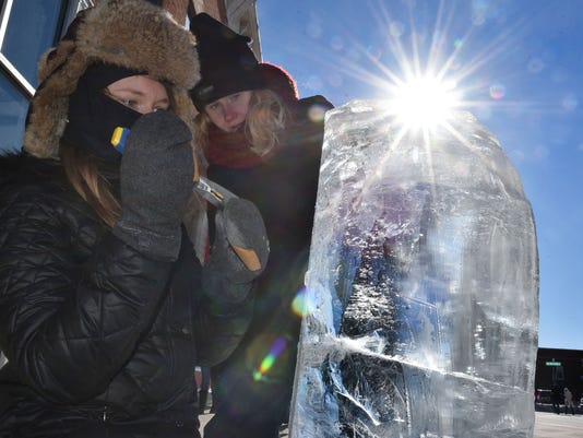 636486025445005794-DCN-1213-fire-and-ice-sculptors.jpg