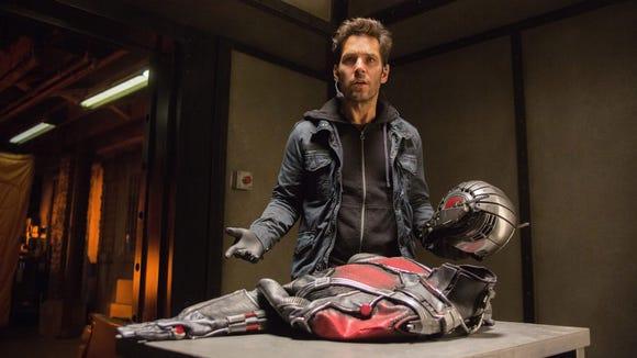 Scott Lang (Paul Rudd) is a suit that changes his